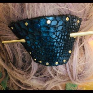 Accessories - Mermaid bun cuff